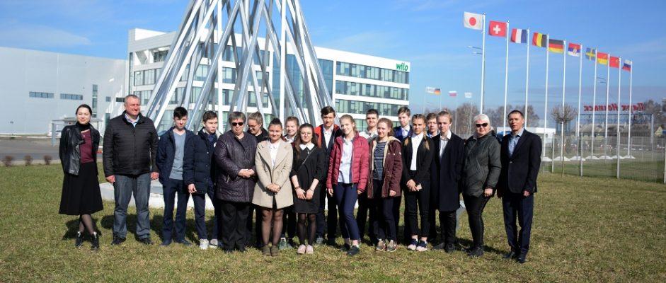 Школьники Богородского городского округа посетили шведскую компанию «SCANIA»